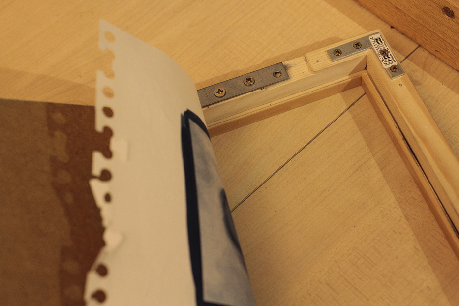 Contact printing frame